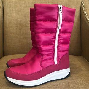 AK Sport boots in pink nylon felt lined
